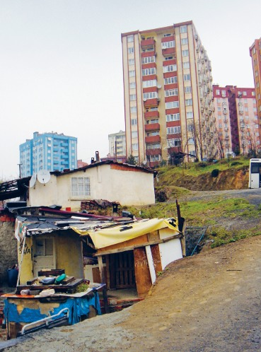 Gecekondus, Istanbul: Christos Konstantinou
